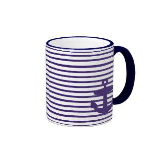 Ancre de marine avec les rayures bretonnes bleues tasse à café