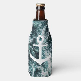 Ancre nautique sur l'arrière - plan de photo rafraichisseur de bouteilles