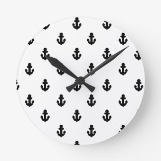 Ancres par la mer horloge ronde