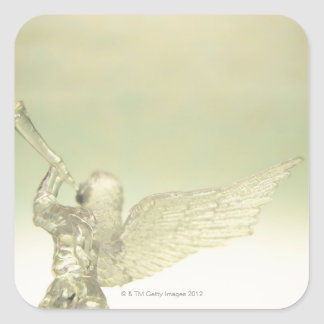 Ange en verre jouant la trompette, vue arrière sticker carré