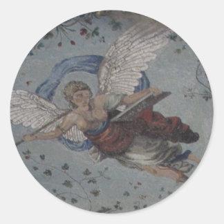 Ange lunatique avec la trompette - la Renaissance Autocollant Rond