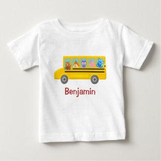Animaux mignons sur le nom personnalisé par   t-shirt pour bébé