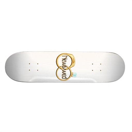 Anneaux de mariage de nouveaux mariés plateaux de skateboards customisés