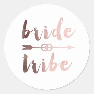 anneaux de mariage roses élégants de flèche de sticker rond