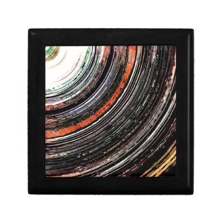 Anneaux de texture de ton de la terre petite boîte à bijoux carrée