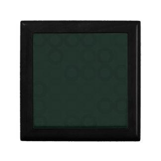 Anneaux noirs petite boîte à bijoux carrée