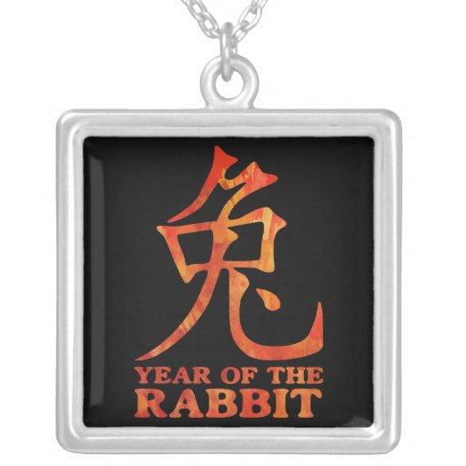 Année du collier de symbole de lapin