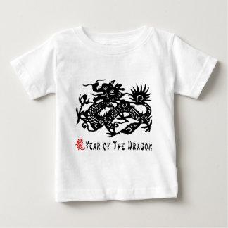 Année du T-shirt de coupe de papier de dragon