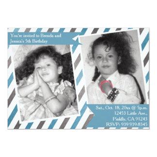 Anniversaire bleu simple de double de jumeau carton d'invitation  12,7 cm x 17,78 cm