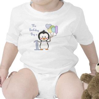 Anniversaire de garçon de Cutie- de pingouin premi Barboteuse