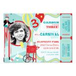 Anniversaire de marcheur d'échasse de carnaval et invitations personnalisées