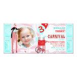 Anniversaire de marcheur d'échasse de cirque de cartons d'invitation personnalisés