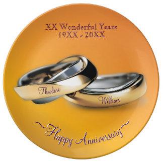 Anniversaire de mariage d'anneaux d'or assiettes en porcelaine