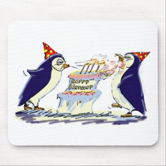 Anniversaire de pingouin tapis de souris
