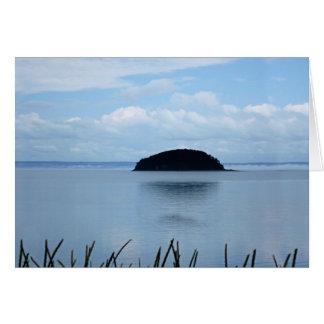 Anniversaire-Île heureuse dans la brume Carte De Vœux