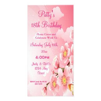 Anniversaire rose de fleurs et de papillons photocarte personnalisée