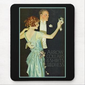 Annonce de chemise de flèche de couples de danse tapis de souris