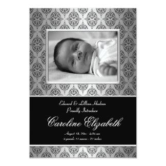 Annonces noires de naissance de bébé de damassé invitations personnalisées