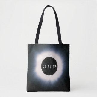 Août 2017 éclipse solaire totale en noir et blanc tote bag