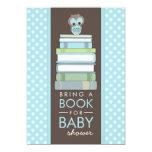 Apportez à un livre l'invitation douce de baby