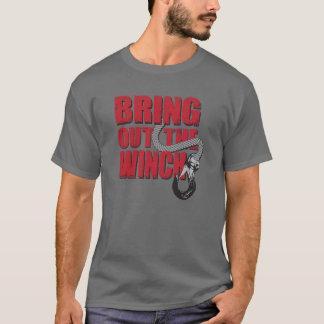 Apportez sur le T-shirt de treuil