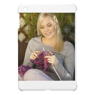 Apprécier le thé et tricotage étui iPad mini