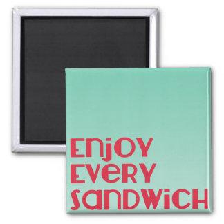 Appréciez chaque aimant de sandwich