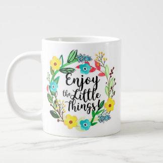 Appréciez la petite tasse de choses