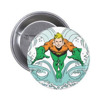 Aquaman se précipitant en avant badges