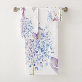 Aquarelle assez pourpre et bleue florale