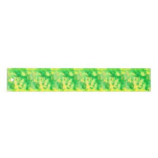 Aquarelle de vert jaune règle de 12 pouces