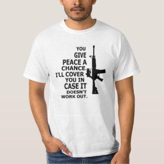 AR15, M16, 2ème Amendement-DONNENT À PAIX UNE T-shirt