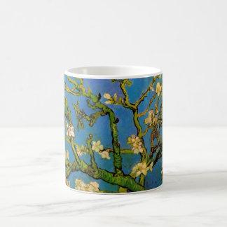 Arbre d'amande de floraison par Van Gogh, Mug