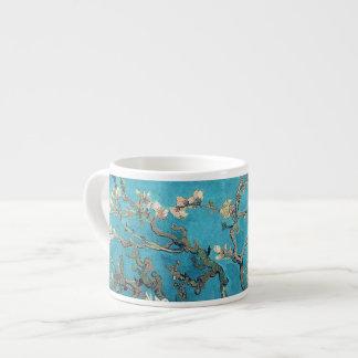 Arbre d'amande de floraison par Vincent van Gogh Tasse Expresso
