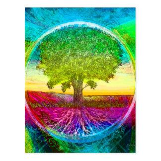 Arbre de la vie coloré par arc-en-ciel carte postale