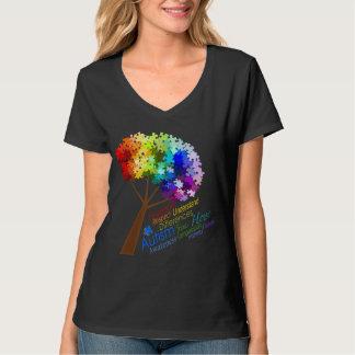 Arbre de puzzle d'arc-en-ciel de sensibilisation t-shirt