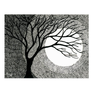 Arbre et lune d'hiver en noir et blanc cartes postales