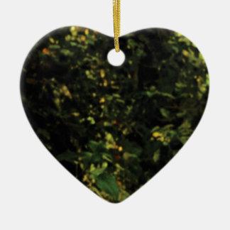 arbres dans le buisson ornement cœur en céramique