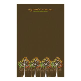 Arbres d'automne/automne sur la papeterie de carte