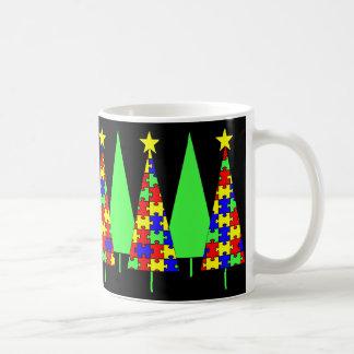 Arbres de Noël de puzzle - sensibilisation sur Mug Blanc