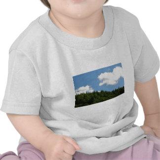 Arbres et ciel bleu t-shirt