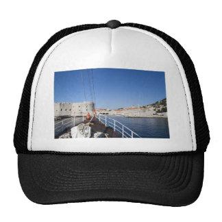 Arc de bateau casquette