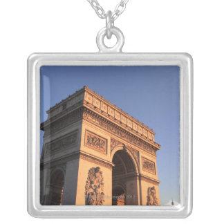 ARC DE TRIOMPHE et Tour Eiffel Collier