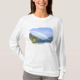 Arc-en-ciel au-dessus de lac Hawea, île du sud, T-shirt