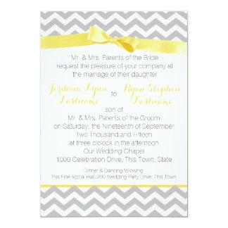 Arc moderne de jaune de zigzag carton d'invitation  12,7 cm x 17,78 cm