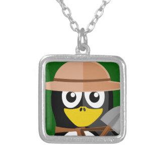 Archéologue de pingouin pendentif carré