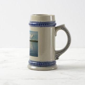 Archipel sur la côte de mer baltique en Suède Chope À Bière