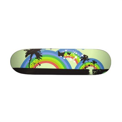 Arcs-en-ciel et planche à roulettes de papillons planches à roulettes customisées
