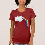 Arcs-en-ciel vomissants de nuage t-shirts