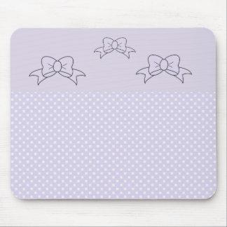Arcs et tapis de souris pourpre de point de polka